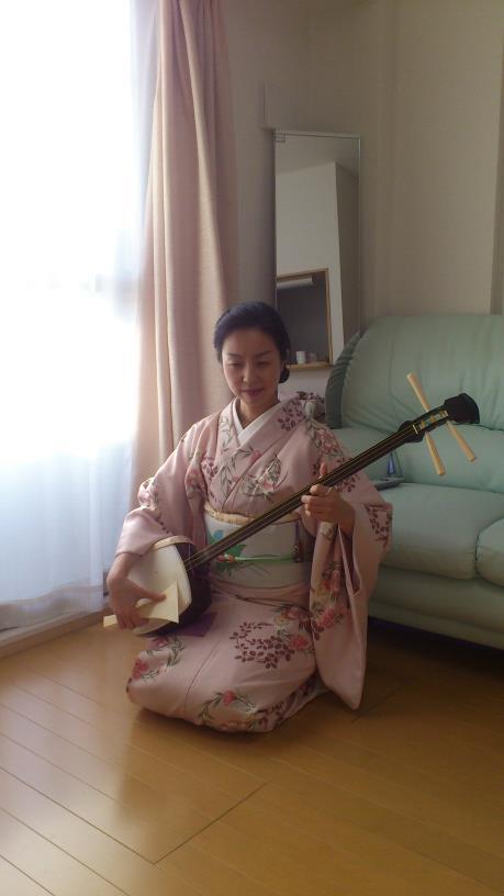 Dansaren och musikern Yumiko Hakone, som blev geisha för 1 1/2 år sedan