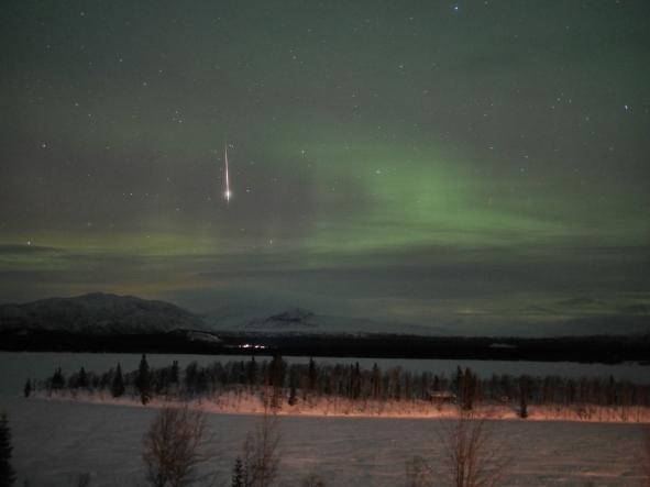 P1210795 Norrsken med stjärnfall